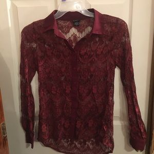 Burgundy Daytrip lace top size XS